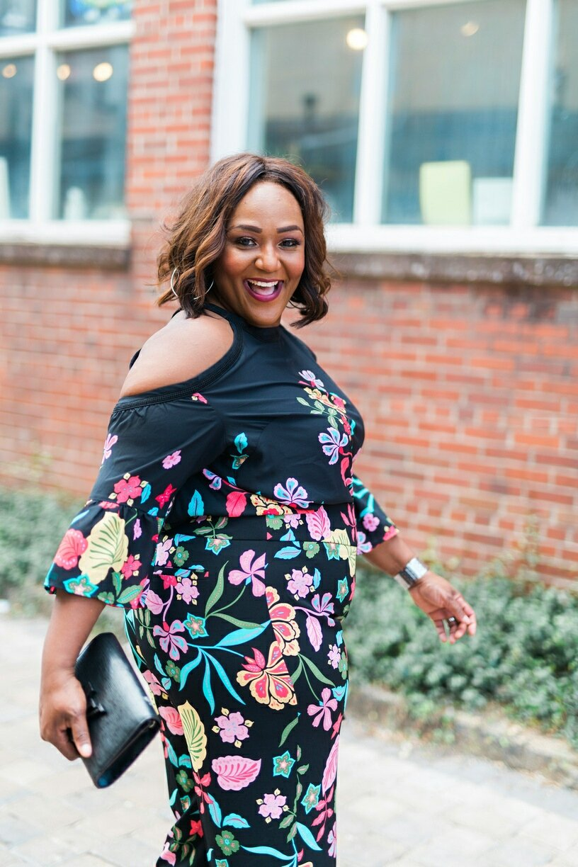Plus Size Blogger wearing floral coordinates from New York & Company