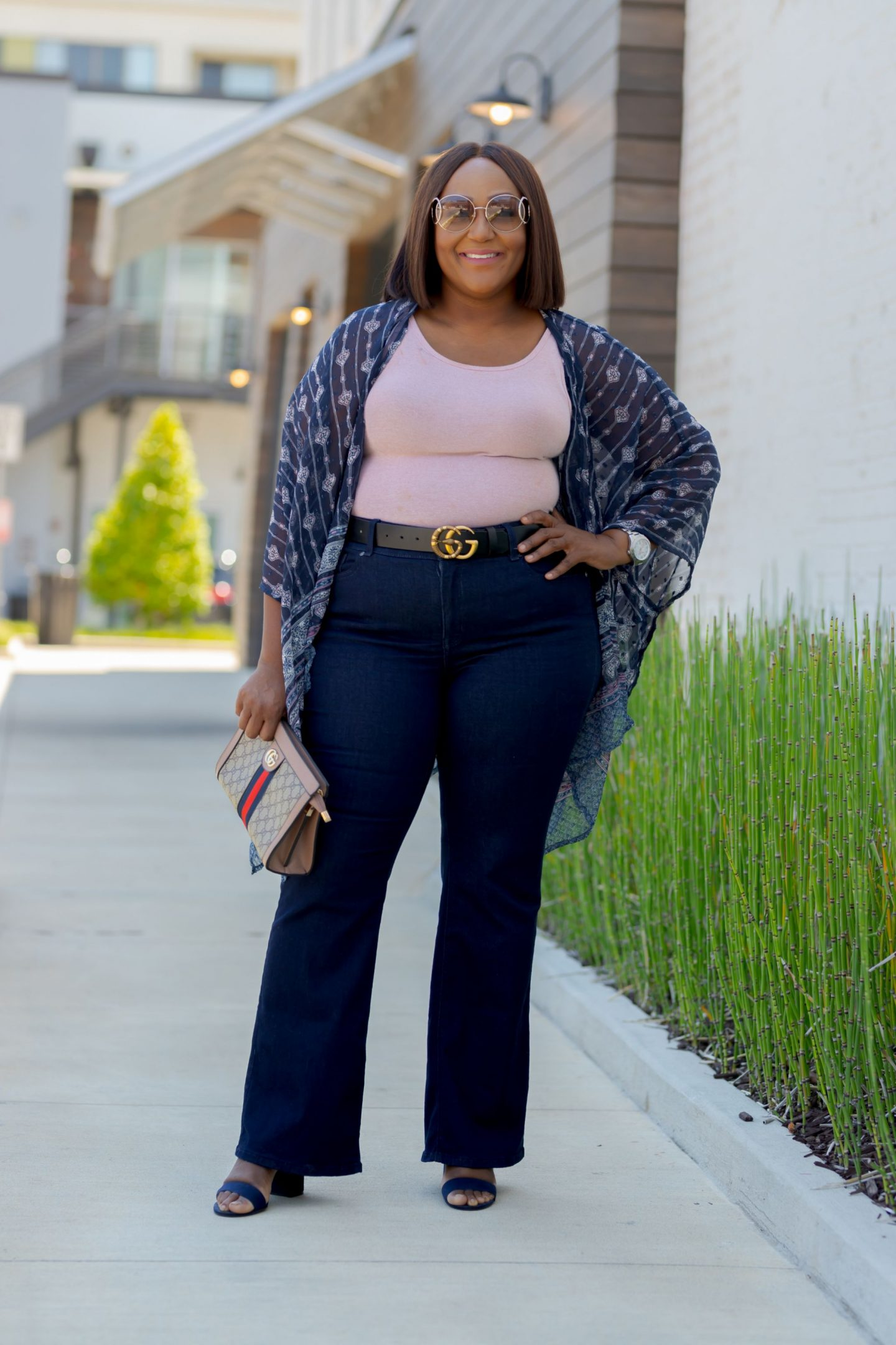 Influencer Nikki Free wearing Lane Bryant Flex Magic Waistband Jean